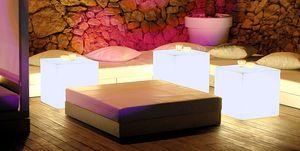 Cubos iluminados para el jardín