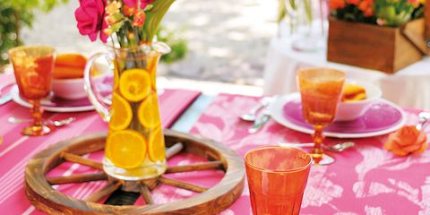 Serveware, Dishware, Tableware, Table, Plate, Tablecloth, Drinkware, Drink, Linens, Meal,
