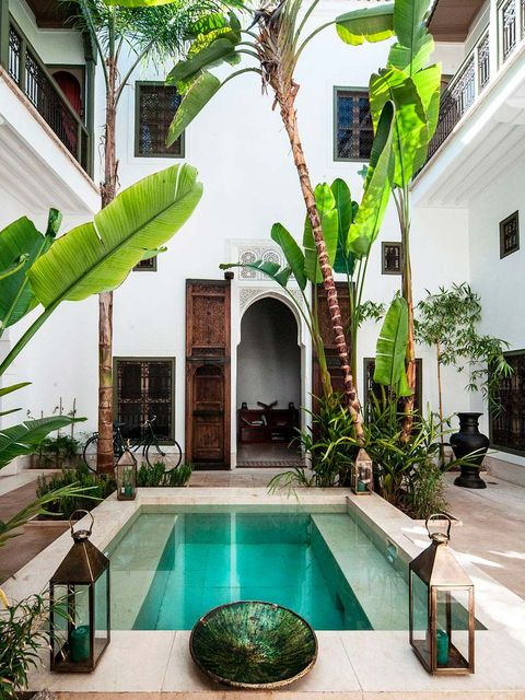 Property, Building, House, Swimming pool, Courtyard, Real estate, Resort, Home, Architecture, Backyard,