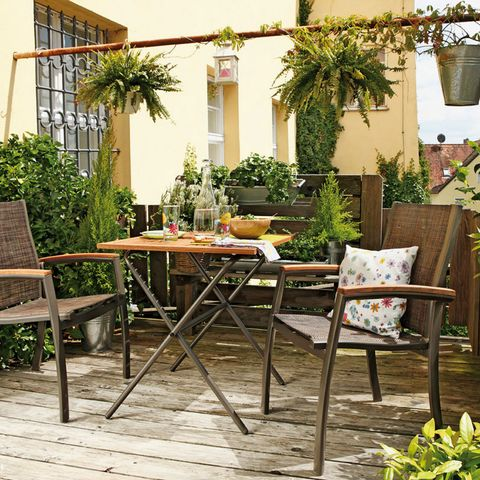 terraza con suelos de madera