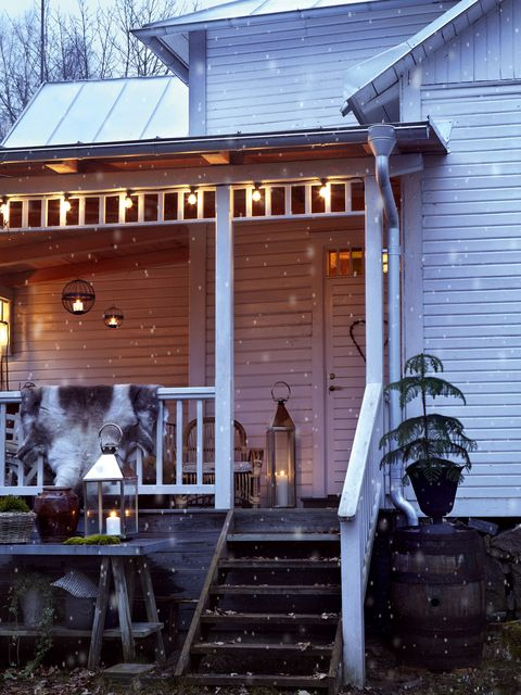 Stairs, Property, Real estate, House, Roof, Home, Siding, Door, Flowerpot, Porch,