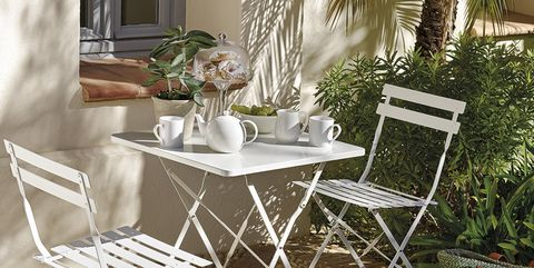 Furniture, Chair, Table, Outdoor table, Outdoor furniture, Room, Interior design, Kitchen & dining room table, Tree, Folding chair,