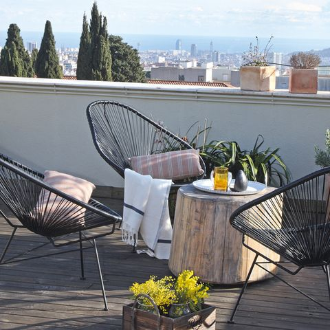 Flowerpot, Outdoor furniture, Furniture, Table, Outdoor table, Houseplant, Armrest, Patio, Balcony, Annual plant,