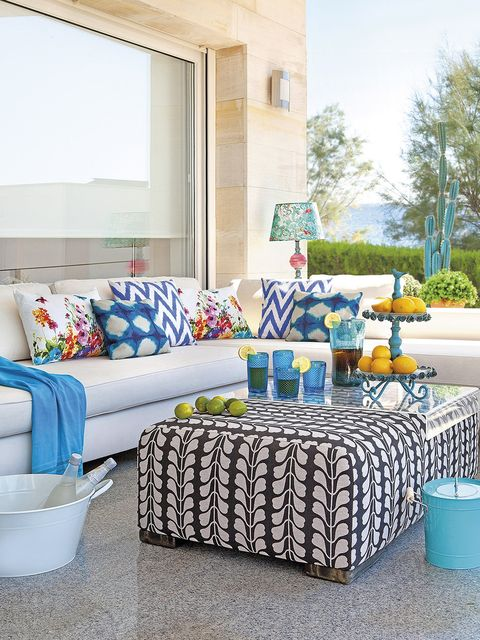 Blue, Living room, Furniture, Room, Turquoise, Aqua, Interior design, Home, Property, Yellow,
