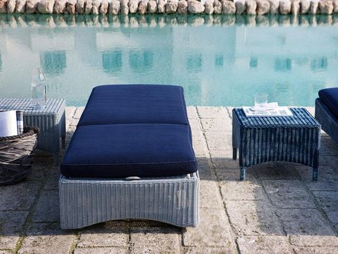 Outdoor furniture, Reflection, Rectangle, Reservoir, Linens, Outdoor table, Reflecting pool,