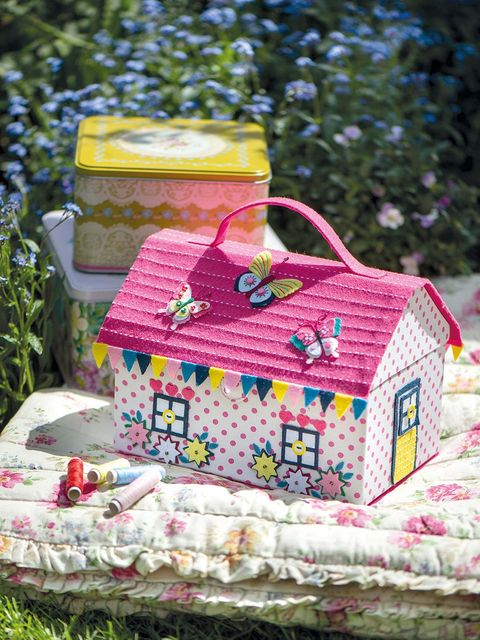 Pink, Picnic basket, House, Party favor, Textile, Home accessories, Needlework, Recreation, Pattern, Picnic,