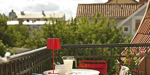 Table, Outdoor table, Furniture, Flowerpot, Outdoor furniture, Chair, Garden, Patio, Houseplant, Home fencing,