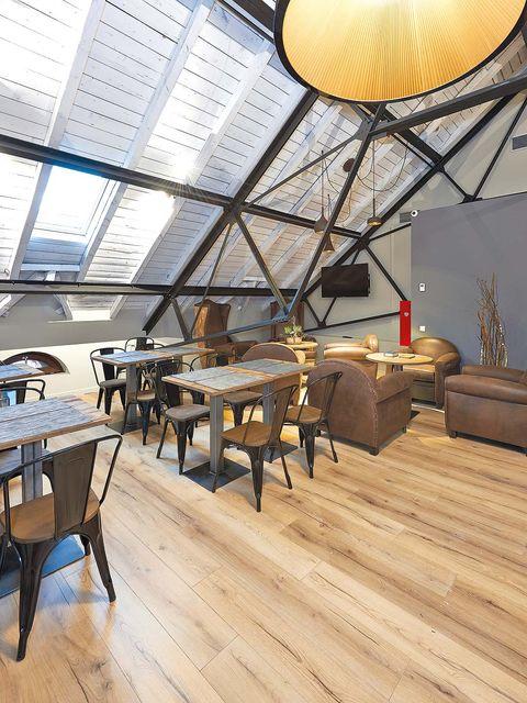 Wood, Hardwood, Floor, Interior design, Flooring, Room, Wood flooring, Table, Furniture, Laminate flooring,