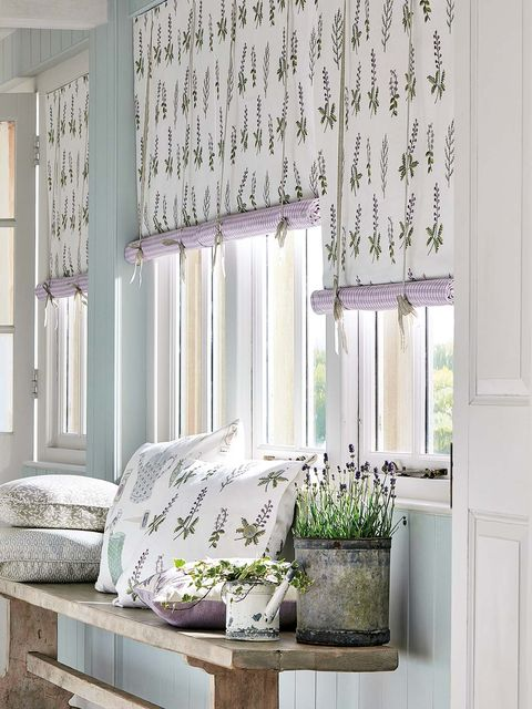 Curtain, Green, Room, Living room, Interior design, Window treatment, Furniture, Wall, Window, Window covering,