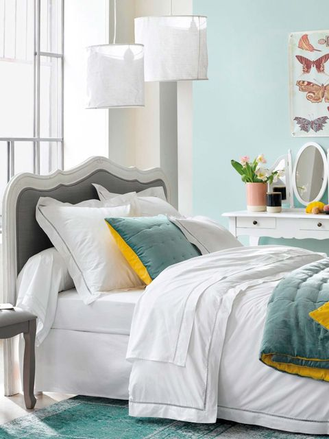 Bed sheet, Bedding, Bedroom, Furniture, Room, Bed, Blue, Turquoise, Yellow, Aqua,
