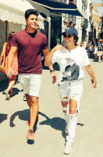 Fashion, Cool, Footwear, T-shirt, Gesture, Shoe, Street, Style, Walking,