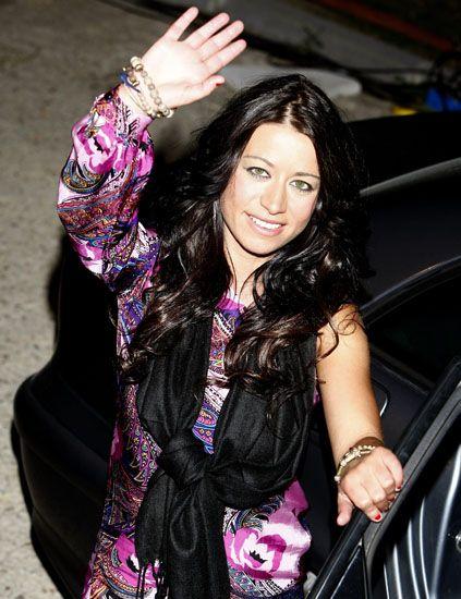 Finger, Hand, Fashion accessory, Bag, Magenta, Fashion, Black hair, Purple, Cool, Wrist,