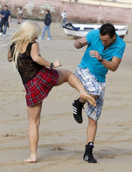 Clothing, Leg, Human leg, Shirt, Plaid, T-shirt, Tartan, Summer, Shorts, Interaction,