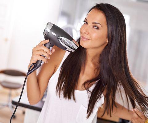 Audio equipment, Electronic device, Microphone, Eyelash, Long hair, Public address system, Audio accessory, Brown hair, Layered hair, Hair dryer,