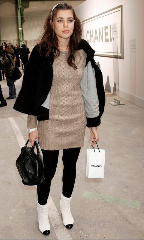 Clothing, Fashion model, Street fashion, Fashion, Snapshot, Outerwear, Footwear, Shoulder, Knee, Leg,