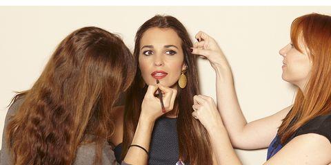 Hair, Arm, Finger, Lip, Hairstyle, Eye, Skin, Hand, Wrist, Eyelash,