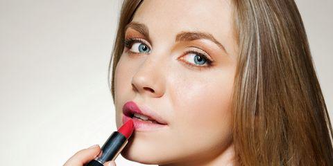 Lip, Cheek, Finger, Skin, Eyebrow, Eyelash, Jaw, Beauty, Organ, Iris,