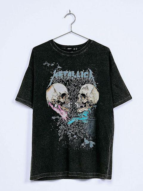 Product, Sleeve, T-shirt, Active shirt, Top, Fictional character, Creative arts,