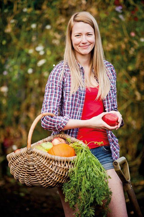 Basket, Beauty, Blond, Grass, Smile, Picnic basket, Photo shoot, Wicker, Textile, Plant,