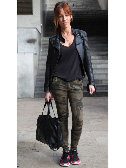 Clothing, Brown, Product, Bag, Shoulder, Textile, Joint, Outerwear, White, Style,