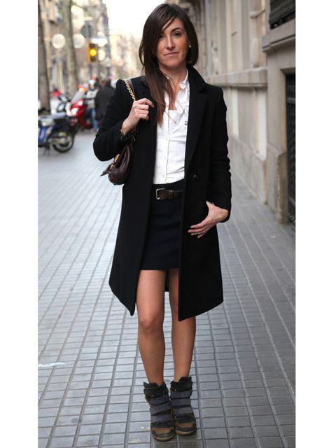 Clothing, Sleeve, Collar, Coat, Outerwear, Style, Street fashion, Fashion accessory, Street, Blazer,
