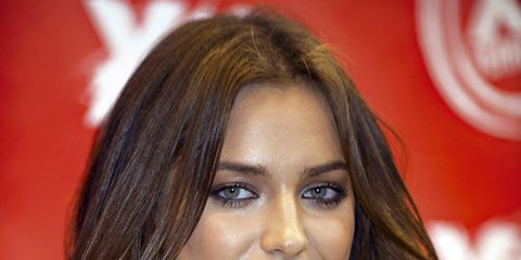 Nose, Microphone, Lip, Mouth, Audio equipment, Hairstyle, Eyebrow, Eyelash, Beauty, Long hair,