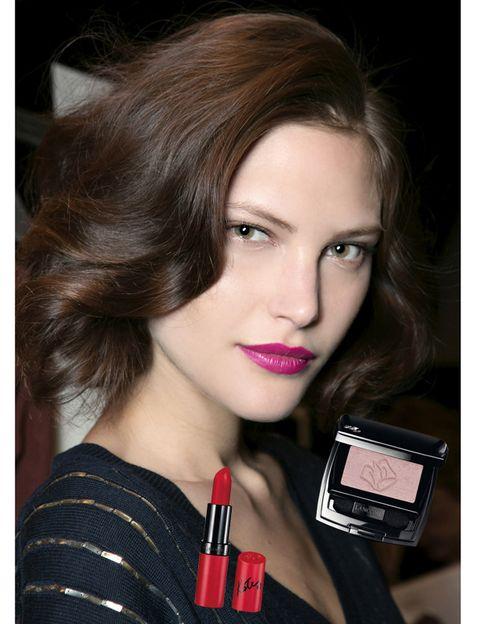 Lip, Hairstyle, Chin, Eyebrow, Eyelash, Red, Style, Beauty, Carmine, Brown hair,