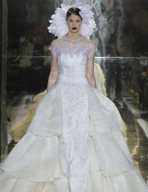 Clothing, Hairstyle, Shoulder, Dress, Textile, Gown, Style, Bridal clothing, Fashion model, Wedding dress,