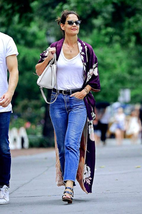 Jeans, Clothing, Street fashion, Denim, Fashion, Sunglasses, Footwear, Shoulder, Eyewear, Walking,
