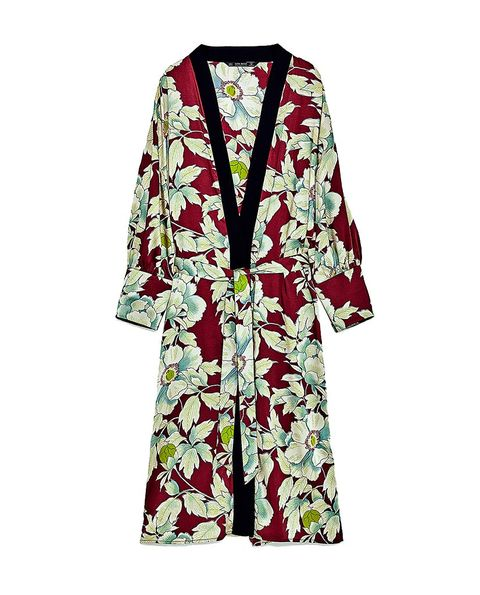 Clothing, Robe, Outerwear, Sleeve, Dress, Nightwear, Costume, Day dress, Cardigan, Trench coat,