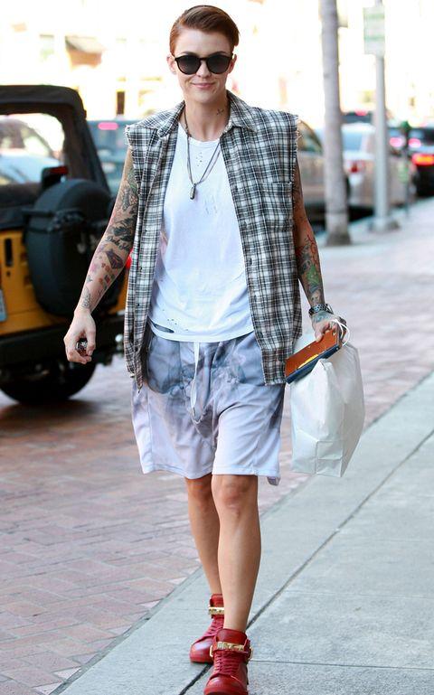 Clothing, Eyewear, Glasses, Vision care, Textile, Sunglasses, Outerwear, Denim, Bag, Street fashion,