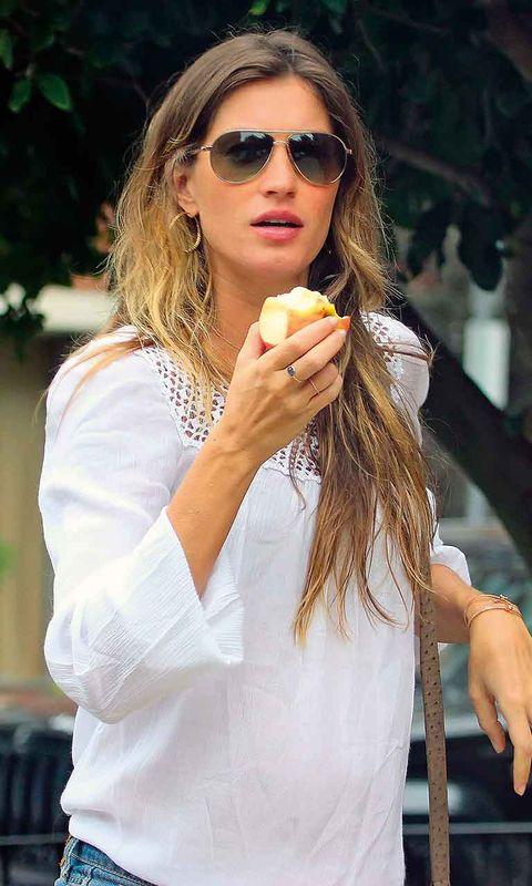 Eyewear, Arm, Glasses, Vision care, Finger, Lip, Sunglasses, Hairstyle, Hand, Cuisine,