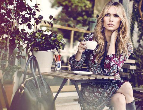 Table, Sitting, Beauty, Bag, Eyelash, Long hair, Street fashion, Fashion model, Brown hair, Model,