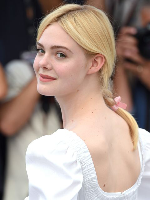 Hair, Hairstyle, Blond, Eyebrow, Chin, Beauty, Skin, Long hair, Chignon, Lip,
