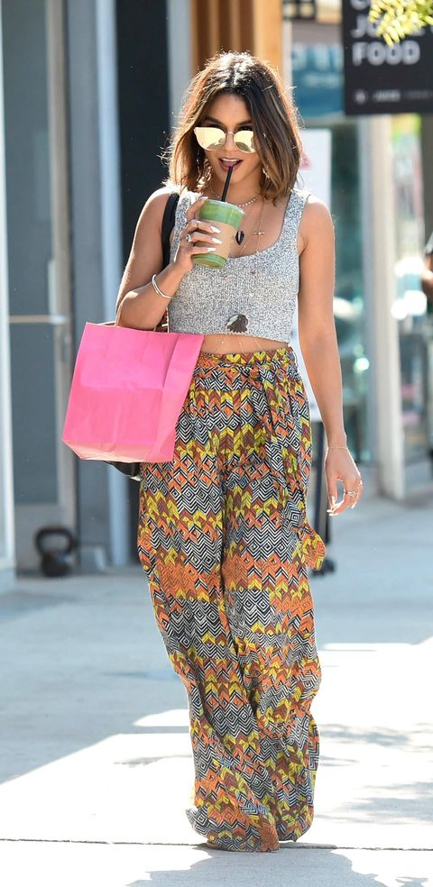 Bag, Style, Street fashion, Fashion accessory, Fashion, Pattern, Blond, Luggage and bags, Shelf, Shoulder bag,