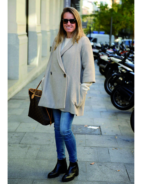 Clothing, Brown, Sleeve, Textile, Photograph, Bag, Outerwear, White, Jeans, Coat,