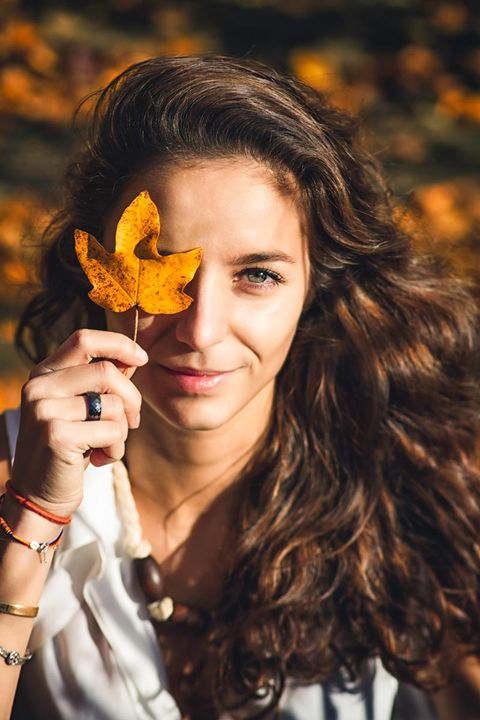 Hair, People in nature, Face, Beauty, Leaf, Yellow, Hairstyle, Long hair, Lip, Autumn,