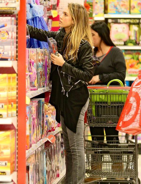Retail, Shelf, Shelving, Customer, Shopping, Service, Beauty, Trade, Supermarket, Bag,
