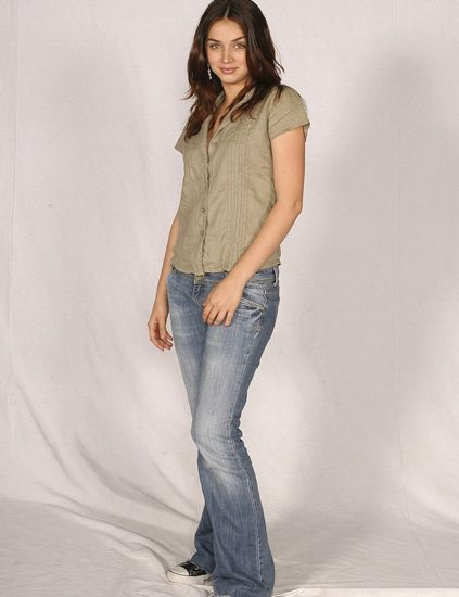 Clothing, Leg, Denim, Sleeve, Trousers, Jeans, Human body, Shoulder, Shirt, Textile,
