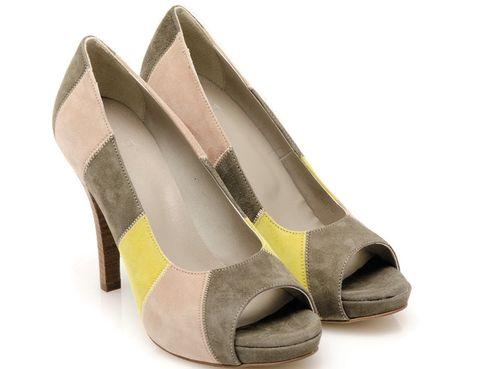 Footwear, Brown, Yellow, Tan, Fashion, Sandal, Beige, Basic pump, Fawn, High heels,