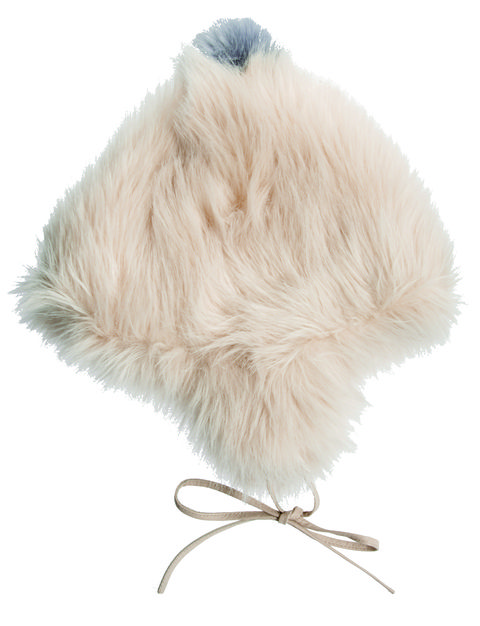 Brown, Textile, White, Feather, Natural material, Tan, Fawn, Fur, Beige, Bird,