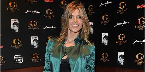 Outerwear, Jacket, Style, Fashion accessory, Fashion, Blazer, Logo, Leather, Blond, Leather jacket,