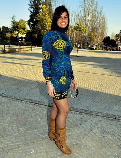 Clothing, Leg, Human leg, Sleeve, Joint, Dress, Street fashion, Pattern, Knee, Thigh,