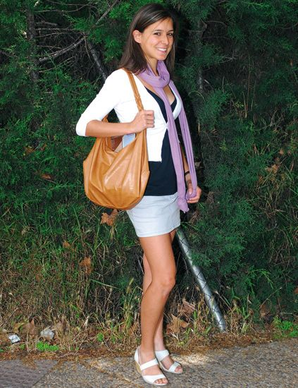Clothing, Leg, Human leg, Bag, Style, Street fashion, Fashion accessory, Luggage and bags, Shoulder bag, Jacket,
