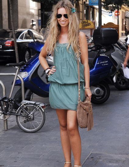 Clothing, Eyewear, Wheel, Tire, Glasses, Product, Land vehicle, Sunglasses, Bag, Outerwear,