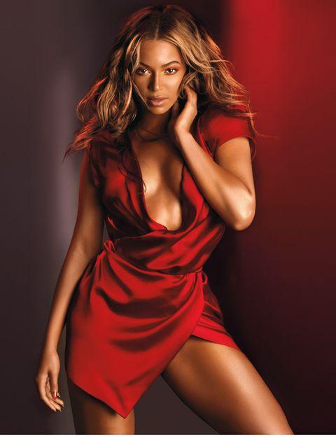 Lip, Shoulder, Dress, Human leg, Joint, Red, One-piece garment, Cocktail dress, Fashion model, Thigh,