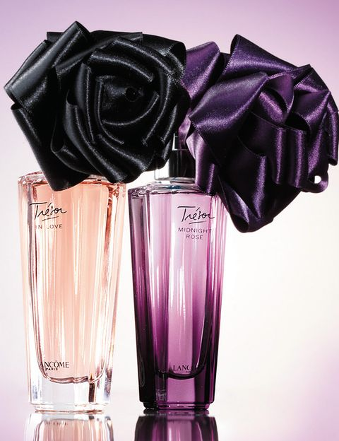 Glass, Purple, Violet, Liquid, Lavender, Drinkware, Barware, Tumbler, Highball glass, Still life photography,