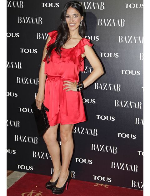 Clothing, Dress, Shoulder, Red, Formal wear, Flooring, Style, Fashion accessory, Fashion model, Waist,