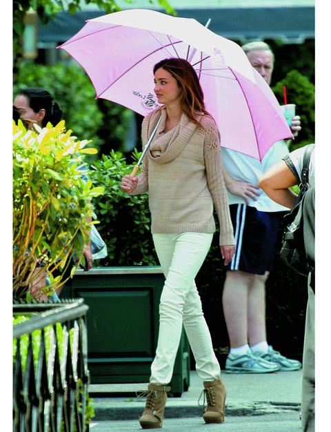 Clothing, Footwear, Leg, Umbrella, Green, Trousers, Shoe, Human leg, Photograph, Outerwear,