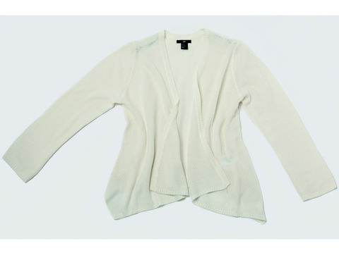 Product, Sleeve, Textile, Collar, White, Sweater, Fashion, Pattern, Beige, Clothes hanger,